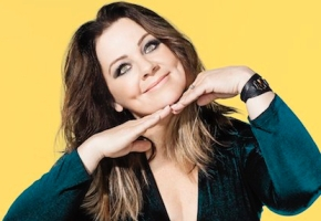 Melissa McCarthy Hosts SNL Tonight: Check Out Some of Her Best Sketches