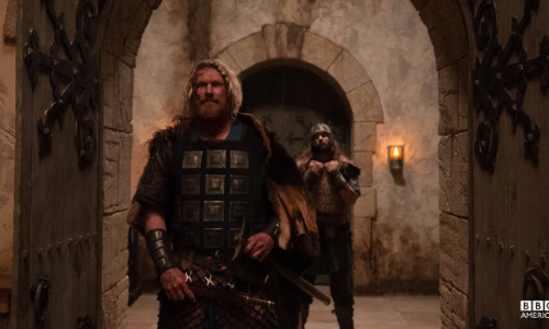 http://apaixonadosporseries.com.br/series/the-last-kingdom-01x02-fugitives-on-the-run/